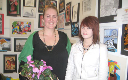Jess Ayto recieved the 2010 Friends Artarama prize
